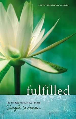 NIV, Fulfilled Devotional Bible for the Single Woman, Hardcover book image